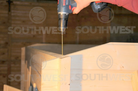 Secure wall top with long screw