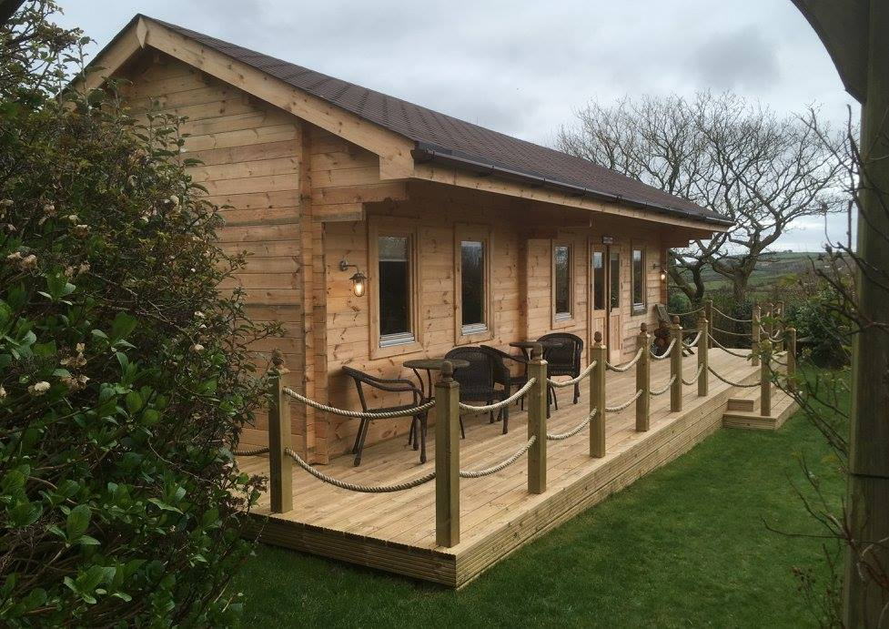 Bespoke 44mm log cabin